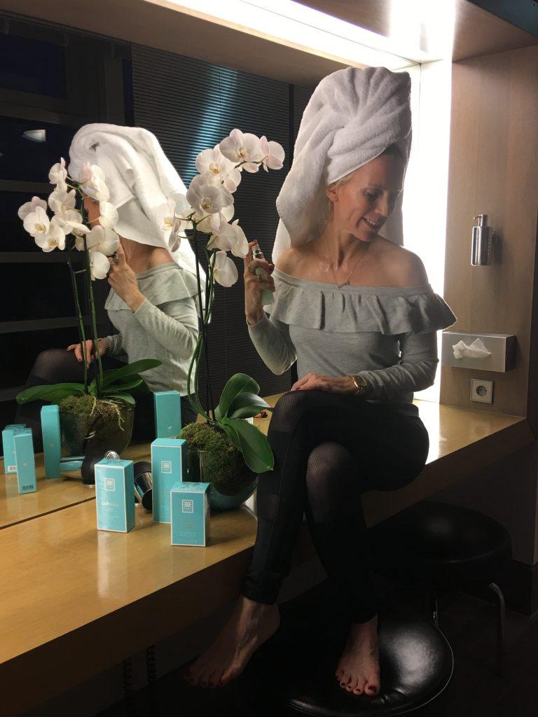 Tamara mit Produkten