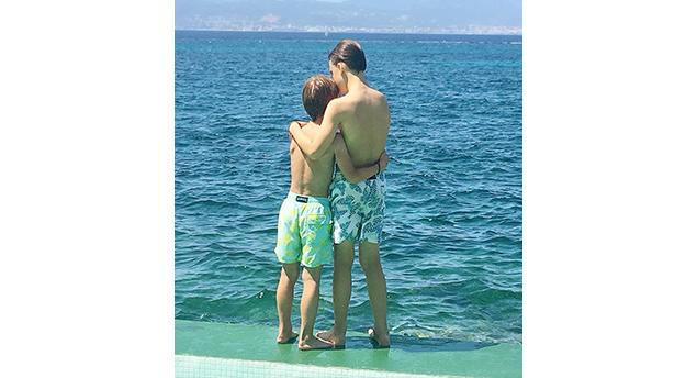 Meine beiden Jungs in ihren geliebten Vilebrequin Badehosen.