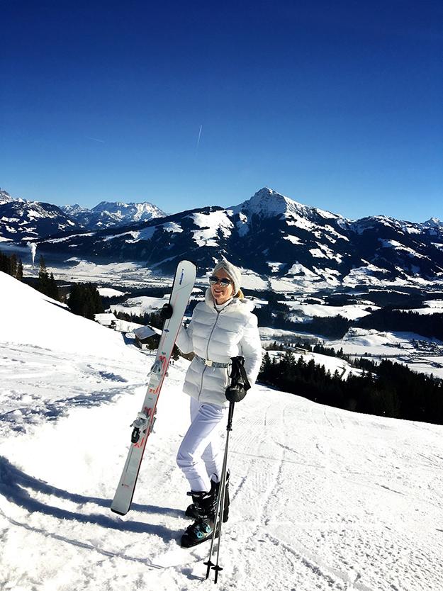 Ski Heil mit dem Parker von Vilebrequin in Kitzbühel.